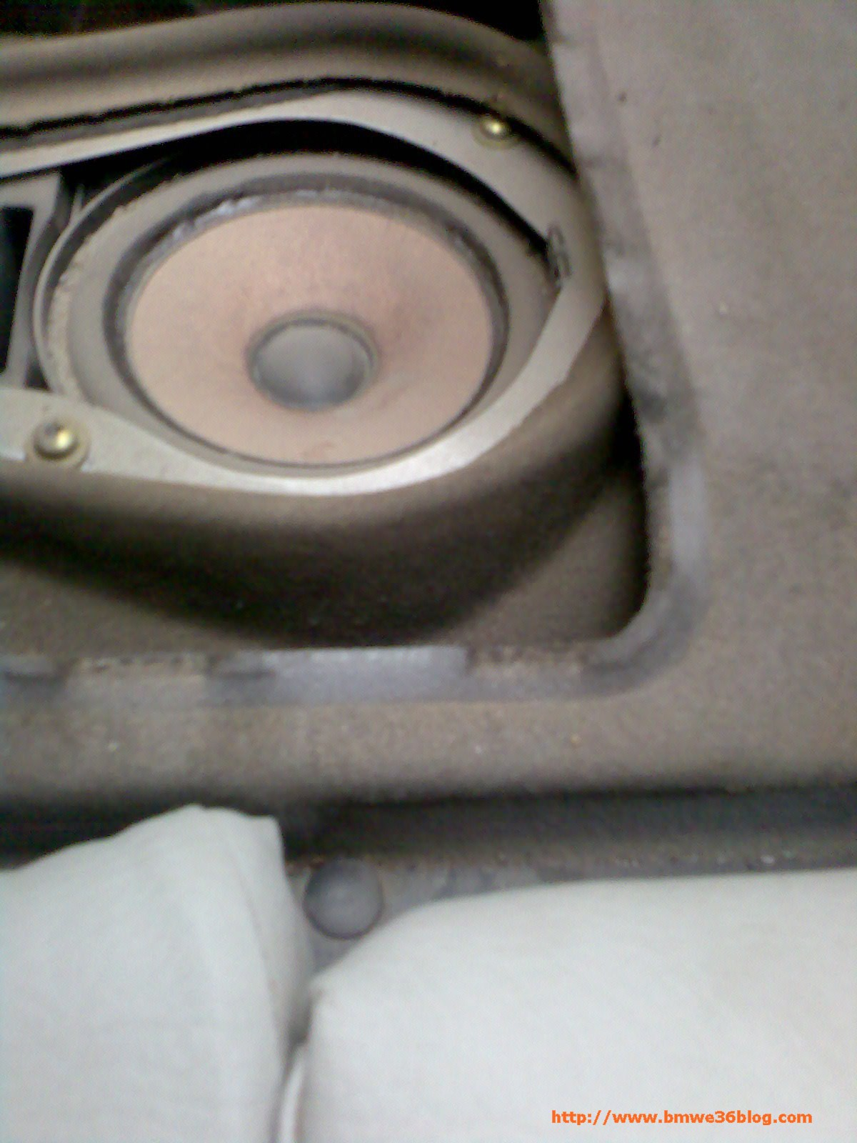 photos car speakers photo1